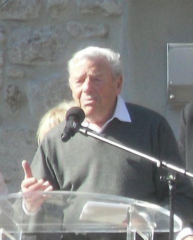 File pierre wikimedia commons for Antraigues sur volane maison de jean ferrat