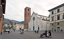 Cathedral square with the church of Sant'Agostino in the background.