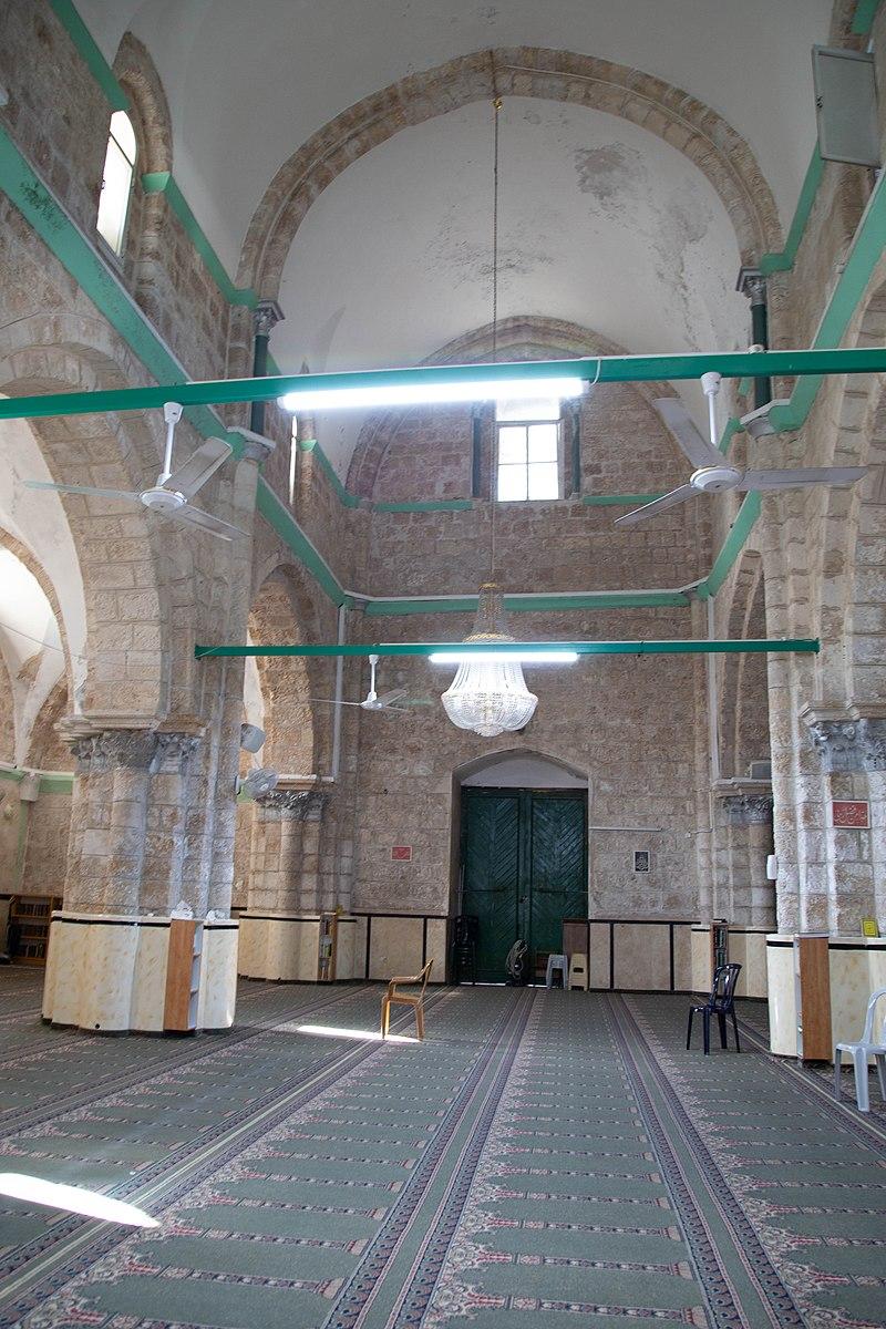 מסגד הגדול ברמלה - פנים המבנה
