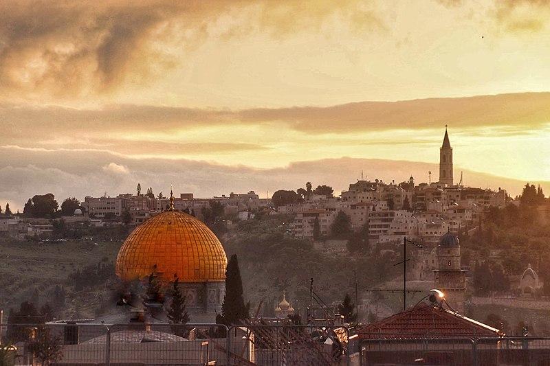 זריחה מגגות ברובע היהודי