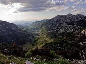 The Velika Jastrebica above the Pirina Polyana trough valley
