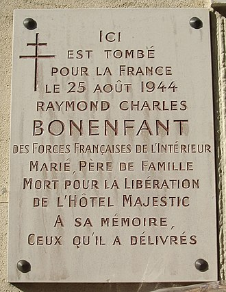 The Peninsula Paris - Image: Plaque Raymond Bonenfant, 17 rue Galilée, Paris 16
