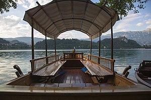 Pletna at Lake Bled (1).jpg