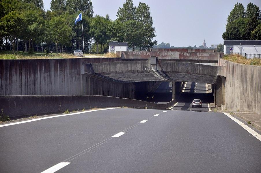 Pont canal de Carentan vu depuis la RN13 dans le sens Caen-Cherbourg