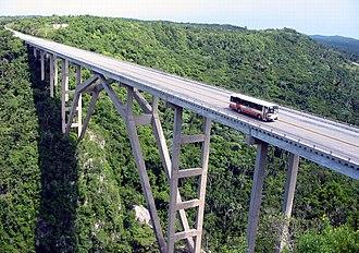Roads in Cuba - Vía Blanca at the bridge of Bacunayagua