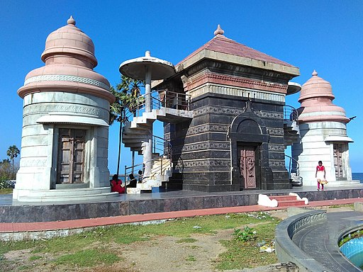Poompuhar-Monument-near-beach