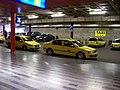 Praha hlavní nádraží, stanoviště taxi na severní straně.jpg