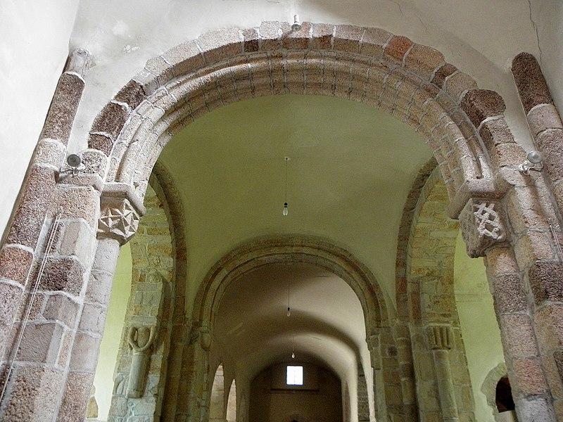 Église Saint-Beheau de Priziac (56). Croisée du transept.