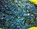 Pyroxene var Augite 01 (39387632832).jpg