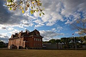 Queen Alexandra, Edmonton - Queen Alexandra Elementary School