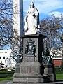 Queen Victoria statue, Dunedin, New Zealand.JPG