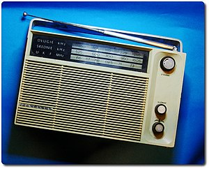 English: Polish transistor radio Eltra Izabell...