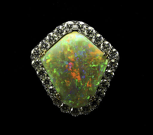 Rainbow Shield 25.5 ct Mintabie Coober Pedy