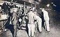Ravitaillement nocturne aux 24 heures du Mans 1924 de la Majola 1,1 L de Follot et Casellini, avant son abandon (n°49).jpg