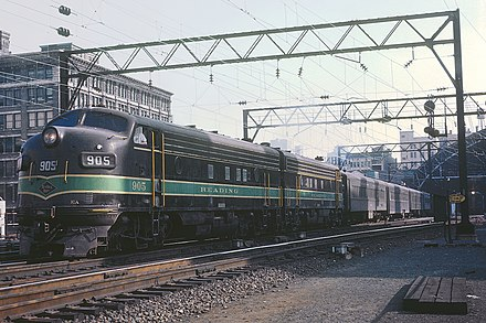 A Reading train departs Reading Terminal, September 1964 Reading 905 at Reading Terminal, Philadelphia, September 1964 (23602998230).jpg