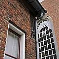 Rechter zijgevel, detail, balk onder dakgoot - Ootmarsum - 20341951 - RCE.jpg