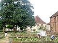 Rheinmünster, Klosterkirche Schwarzach, Garten 1.jpg