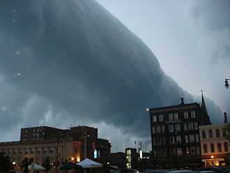 Arcus cloud - A roll cloud associated with a severe thunderstorm over Racine, Wisconsin, United States