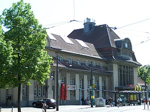 Sachsenhausen (Frankfurt am Main) - Image: Südbahnhof 01052007