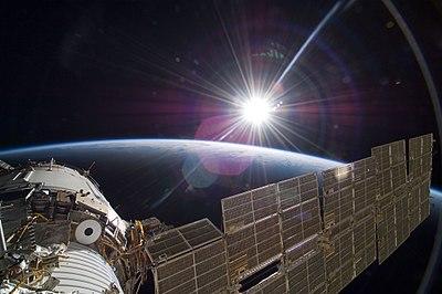 STS-129 Zvezda sunrise.jpg