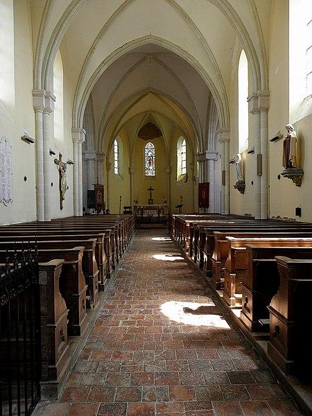 Église Saint-Julien de Saint-Julien-du-Terroux (53). Nef.