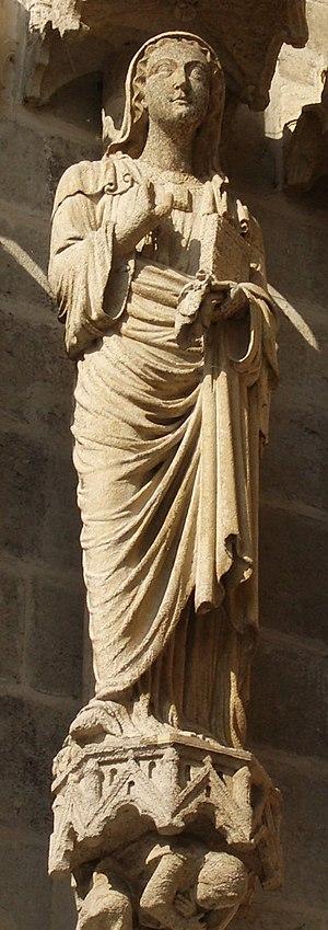 Ulphia - Statue of Ulphia at Amiens Cathedral.
