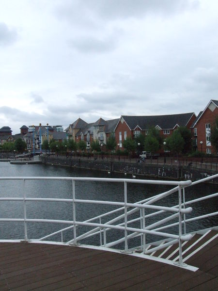File:Salford Quays 3544.JPG