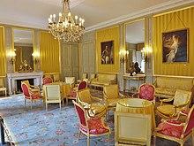 La chambre jaune au palais préfectoral de Chambéry où fut officialisée l'annexion de la Savoie à la France en 1860