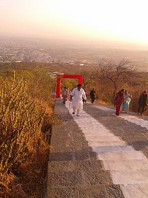 Shatrunjaya - Climbing the stairs of Shatrunjaya Maha Tirth
