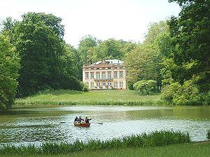 Schönbusch (Aschaffenburg) - Schloss Schönbusch with lake