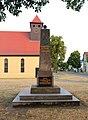 Schoenwalde Kriegerdenkmal 01.JPG