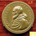 Scuola romana, medaglia di pio V, 1571, bronzo.JPG