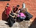 Shigatse-Tashilhunpo-40-Brunnen-2014-gje.jpg