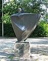 Skulptur von Joachim Berthold vor der Luitpoldhalle in Rosenheim-1.jpg