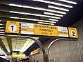 Smíchovské nádraží, orientační tabule na nástupišti.jpg
