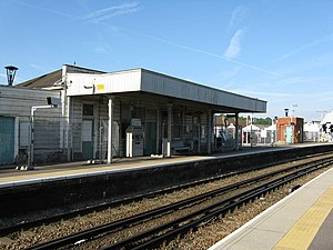 Coulsdon Town railway station - The station building in 2008, before reconstruction and renaming.