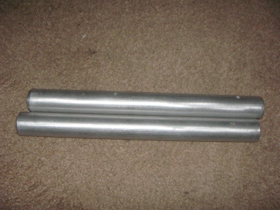 Solid metal nunchucks (unlinked)