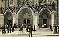 Sortie de messe à ND de Nice.jpg