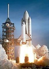 Das Space Shuttle Columbia startet auf der ersten Space Shuttle-Mission