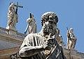 Statua di San Pietro realizzata da Giuseppe De Fabris - Piazza di San Pietro.jpg