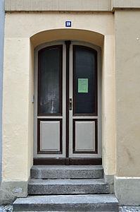 Stralsund, Fährstraße 19, Tür (2012-03-11), by Klugschnacker in Wikipedia.jpg