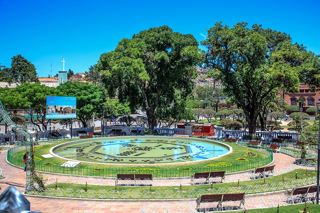 Sucre, Bolivia - (24545195920).jpg