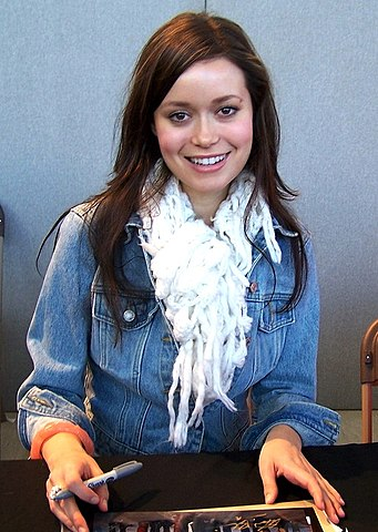 Summer Glau at CollectorMania cropped.jpg