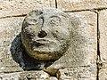 Tête sculptée, sur le clocher. (2).jpg