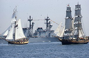 USS Providence (1775) - On the left, the replica Providence (Boston, 1980)