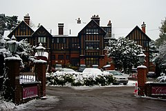 The Chateaux, Coombe Lane, Croydon (geograph 2202113).jpg