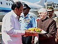 The Vice President, Shri M. Venkaiah Naidu being received by the Governor of Kerala, Shri P. Sathasivam, on his arrival, in Thiruvananthapuram on February 16, 2018.jpg
