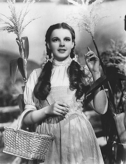 Garland in The Wizard of Oz (1939) The Wizard of Oz Judy Garland 1939.jpg
