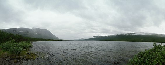 The lake Abiskujárvi.jpg