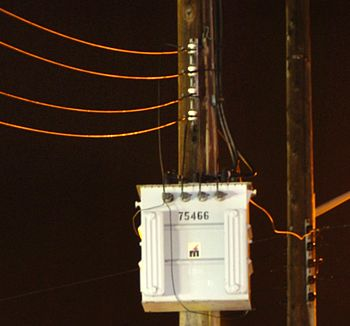 Phase Wiring on Three Phase Transformer With Four Wire Output For 208y 120 Volt